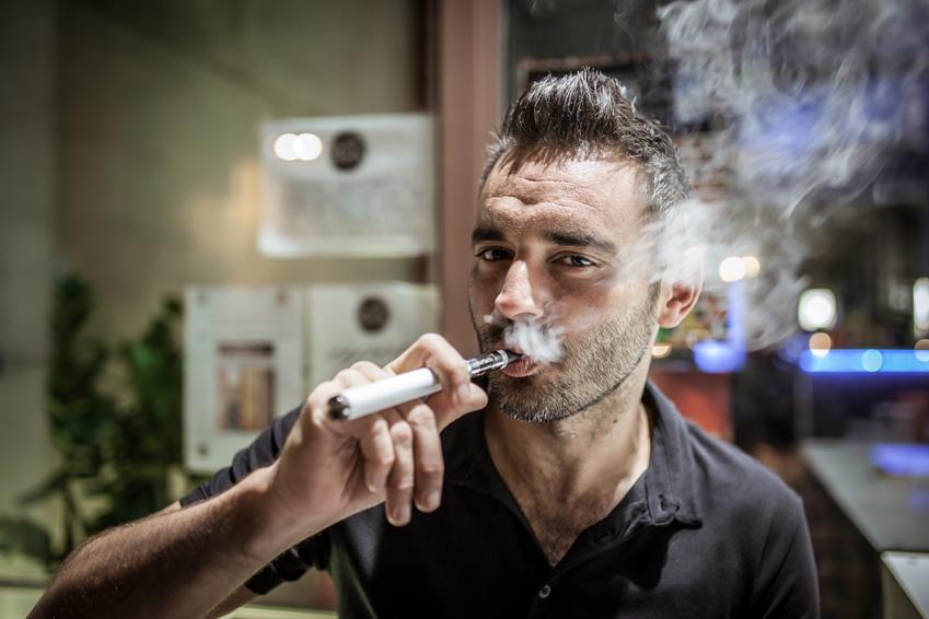 Nicht gesund, aber immer beliebter: Die E-Zigarette