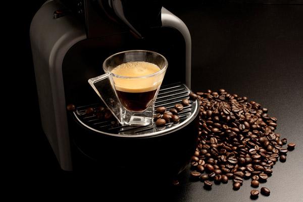 kosten von kaffee nespresso filterkaffee kaffeemaschine. Black Bedroom Furniture Sets. Home Design Ideas