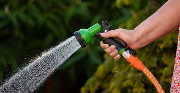Gießrechner: Wasserkosten im Garten + Verbrauch + Spar-Tipps